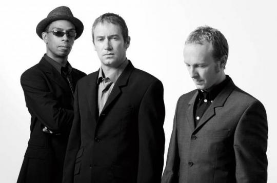 Ocean colour Scene - Promo Photo (4)